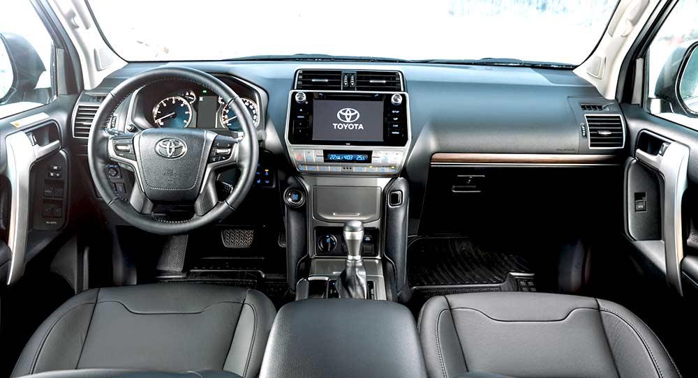 Toyota Land Cruiser Prado внутри
